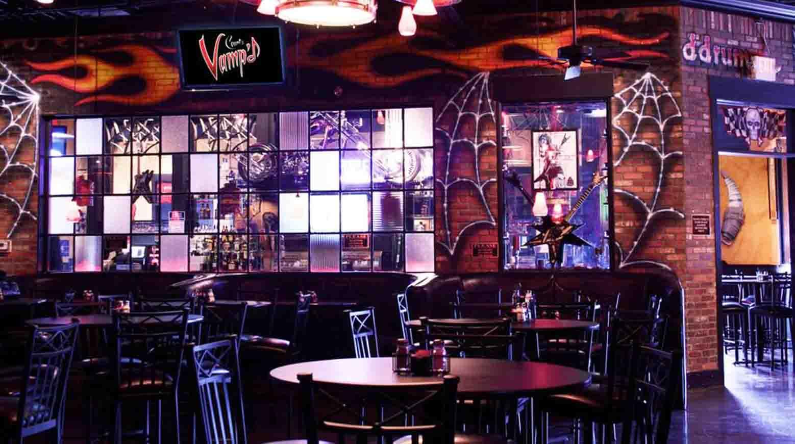 Danny's bar, Count's Vamp'd Rock Bar & Grill